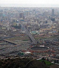 Panorama della città di Lima dal Cerro San Cristóbal