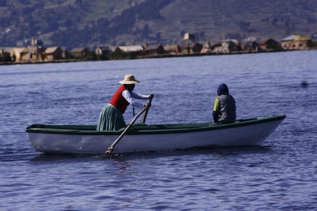 navigando nel Titicaca, Isole fluttuanti