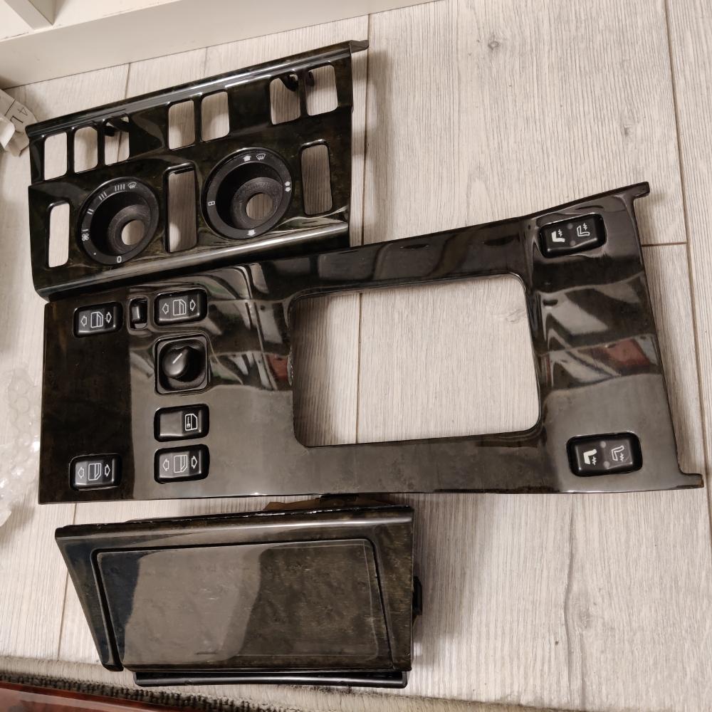 Restaurierter Holzsatz W124 E500 Limited Mercedes Vogelaugenahorn birdseye