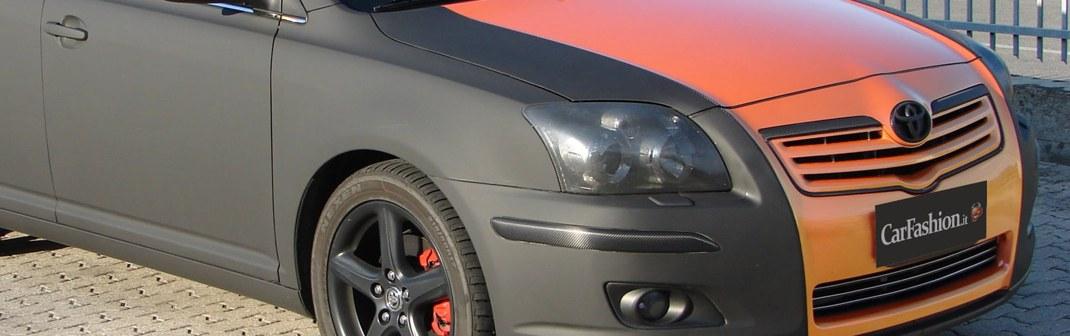Toyota Avensis nero opaco e cangiante