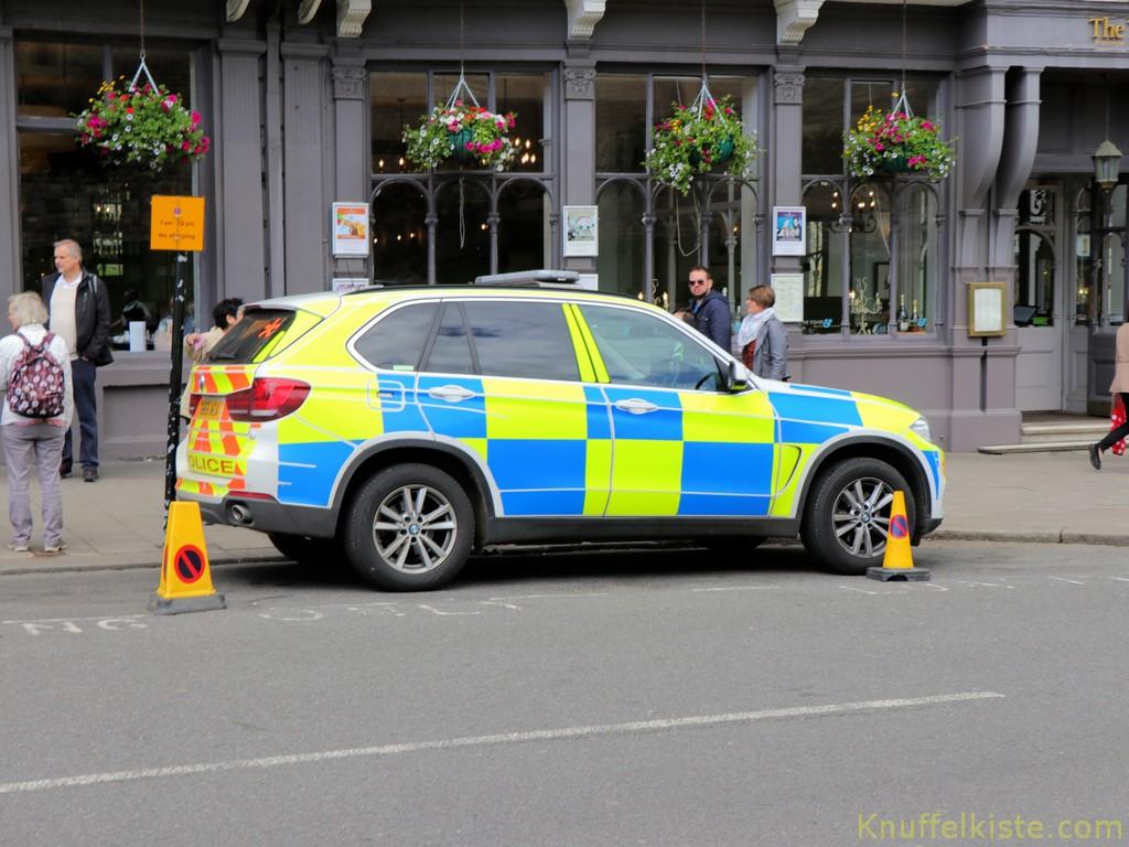 überall viel Polizei...