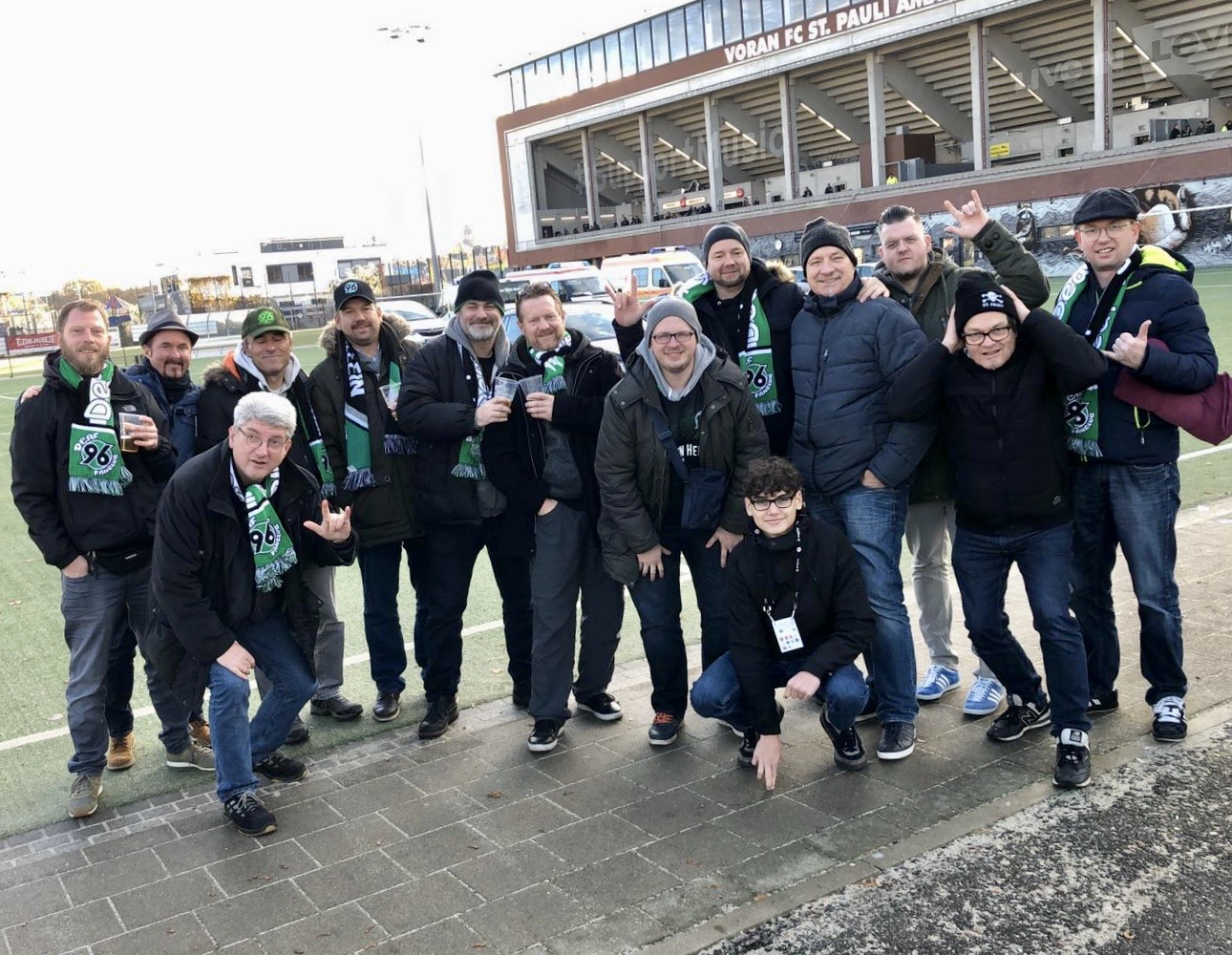Mit Deaf-Fanclub Hannover 96 (12 Pers.!)