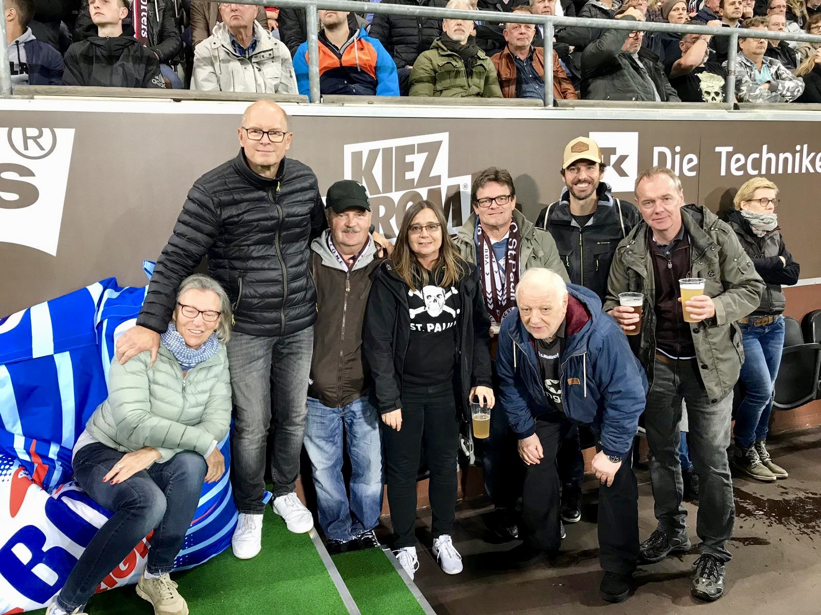 von Links nach rechts: Margret, Torsten, Thomas M., Doris, Michael V., Jürgen, Axel und Michael S.