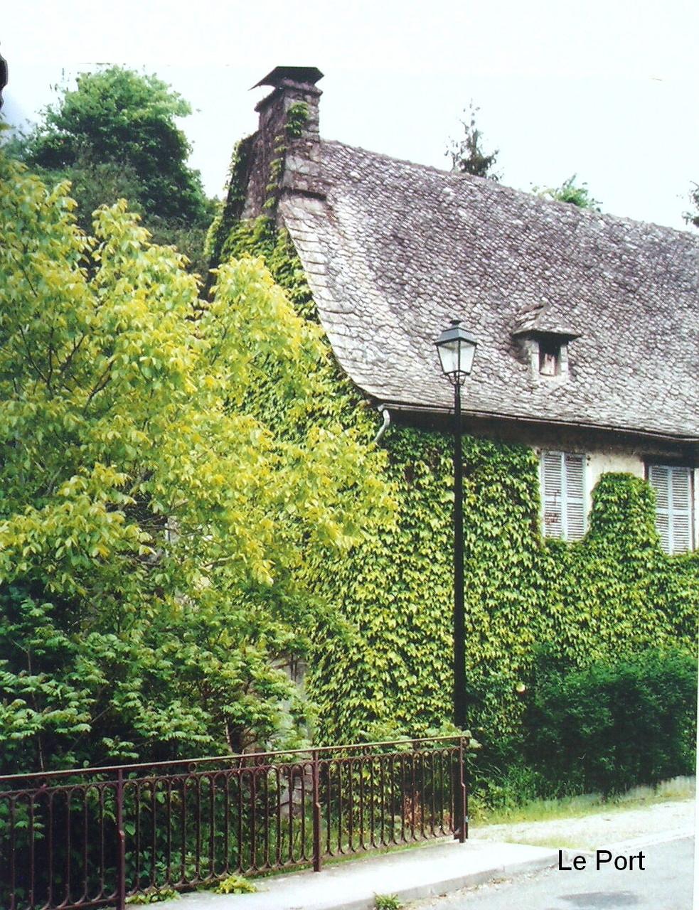Maison d'école du Port (Vieillevie)