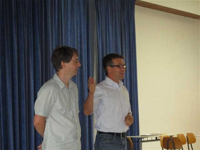 Herr Schmohl mit Klassenlehrer Herrn Sterk