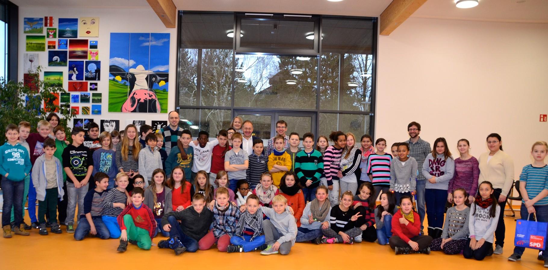 Schultüte für Beethovenschule - Hans-Peter Storz besucht Gemeinschaftsschule