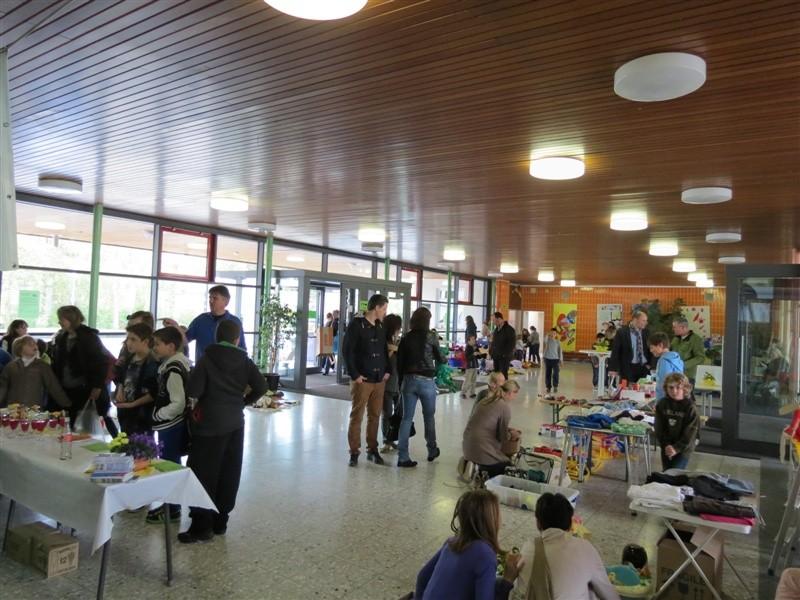 Flohmarkt als Treffpunkt - 27.04.13