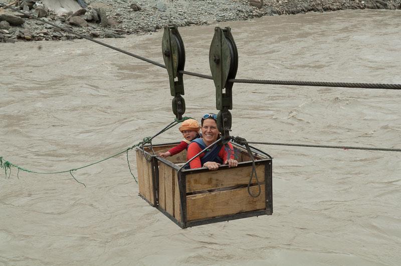 Seilbahn über den Zanskar-Fluss
