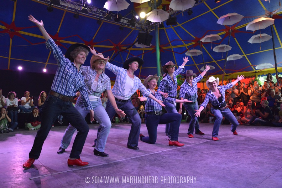 Clogging: Tanzschüler-Show vom Vintage Dance Studio.