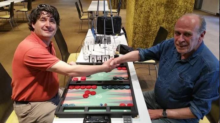 Vor dem Finale: links Leon Dorel gegen rechts Peter Blachian