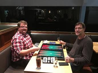 Turniersieger Oliver Plaehn (links) im Finale gegen Thomas Löw