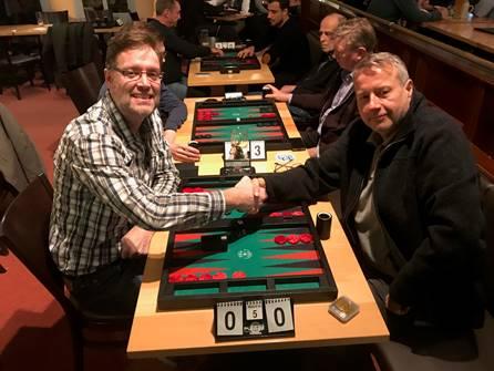 Finale im SpeedGammon: Sieger Thomas Löw (links), gegen Jan Cerny