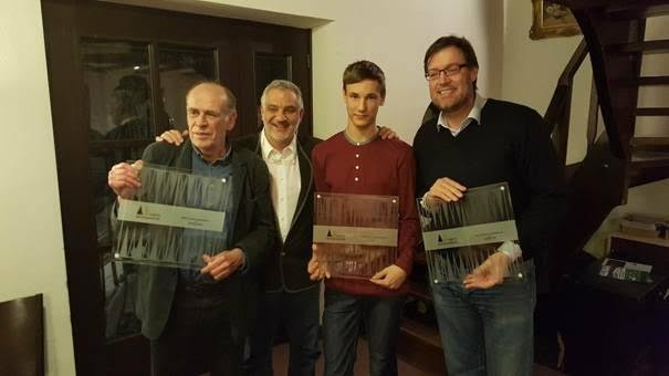 v.l.: Peter BLACHIAN (2. Platz), Turnierleiter Chiva TAFAZZOLI, Zdenek ZIZKA (1. Platz) und Thomas LÖW (3. Platz)