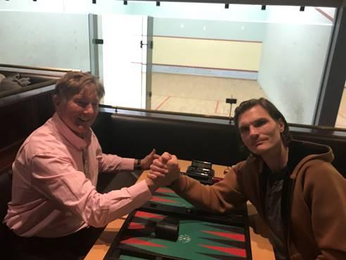Finale im SpeedGammon: Daniel Lehfeld (rechts), Sieger gegen Günther Holzinger