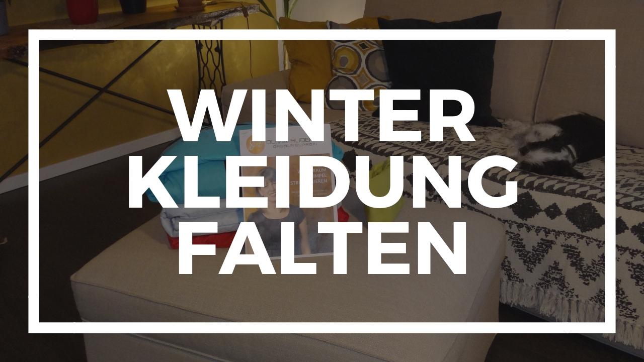 Winterkleidung falten
