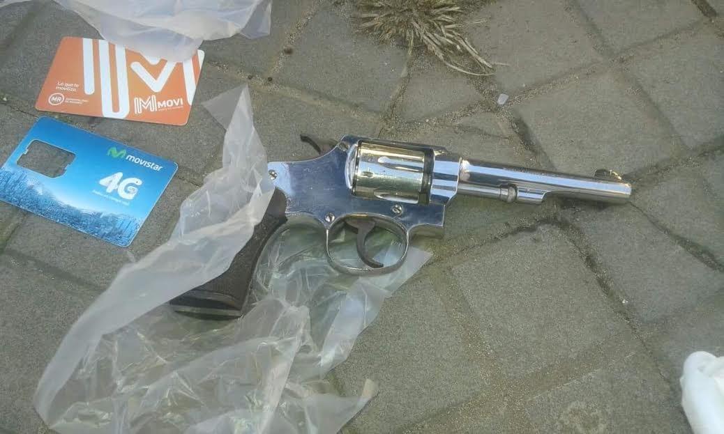 Detuvieron a una mujer con coca na y un arma de fuego for Juzgado federal rosario