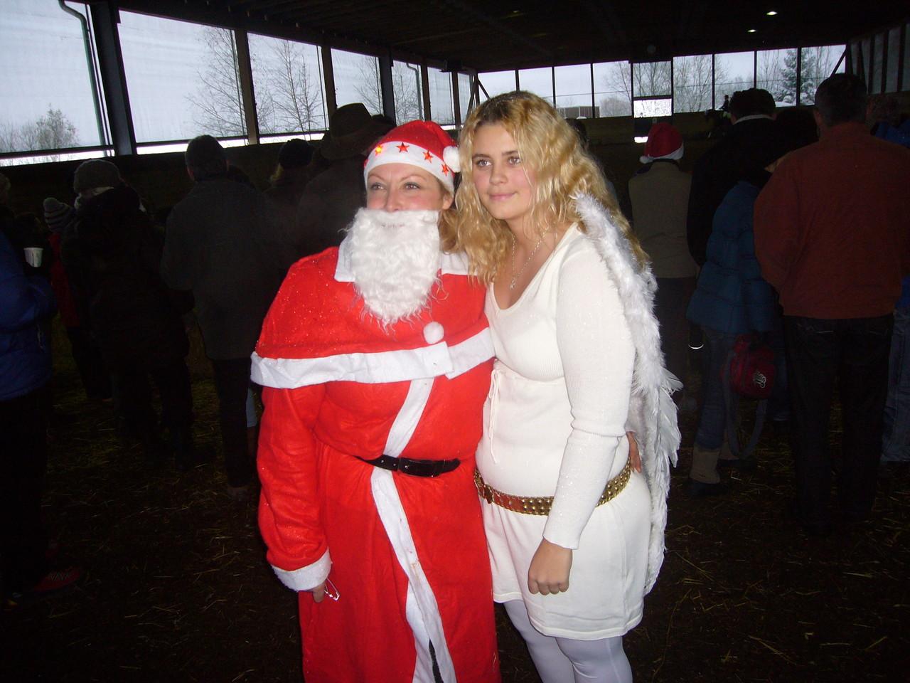 Der Weihnachtsmann mit seinem Helferengel (Fabie)