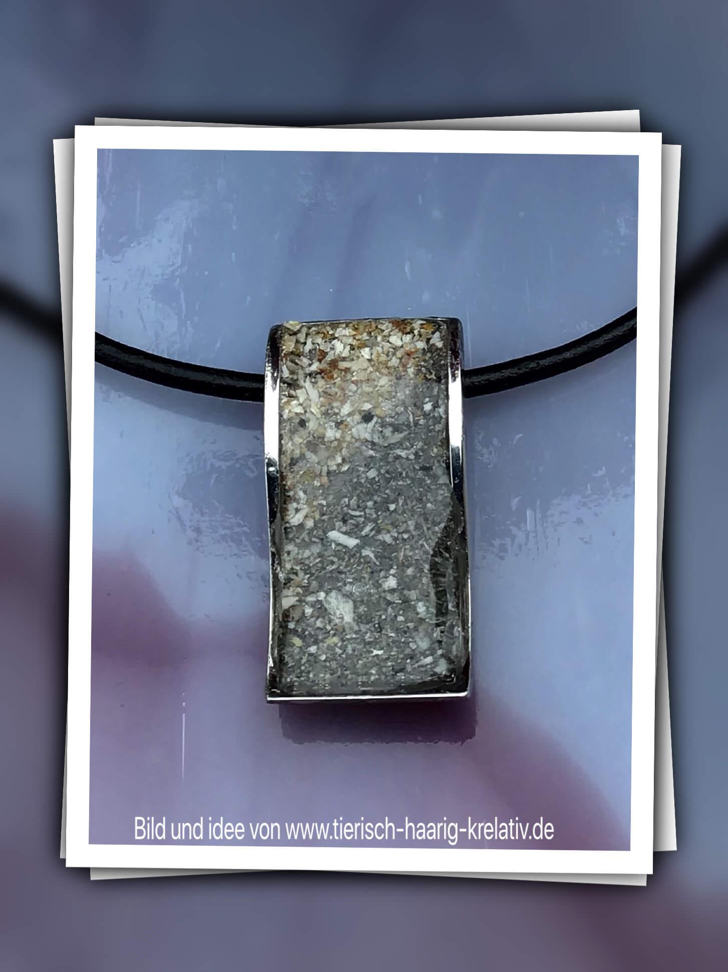 Leder Kette mit Edelstahlanhänger Welle Engel ca 4 cm in Edelstahl * 36,50 Alle angegebenen Preise sind Gesamtpreise (ggf. zzgl. Versandkosten).