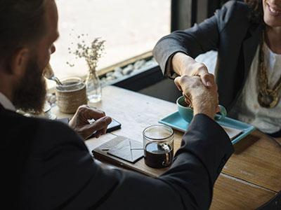 <h3>Rachat d'entreprise</h3> Vous souhaitez reprendre une entreprise et vous vous posez des questions