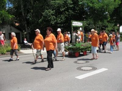 Wanderfreunde on the road beim Schützenumzug