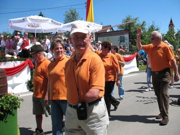 Wanderfreunde beim Kreismusikfest in Dettingen