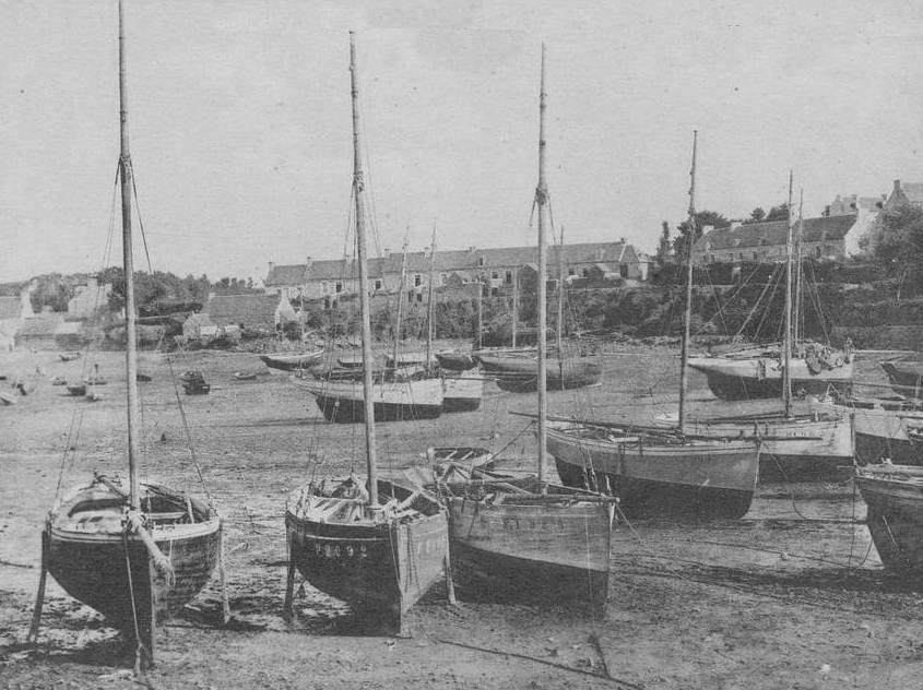 Les petits sloups homardiers de Loguivy étaient désarmés dans le port