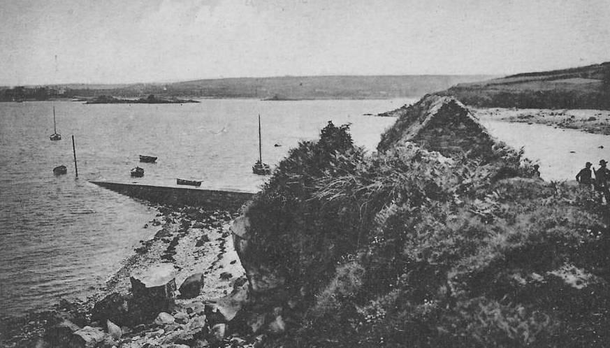 Port des bouchers ou  port des bateaux vu vers l'anse de Pellinec vers 1900