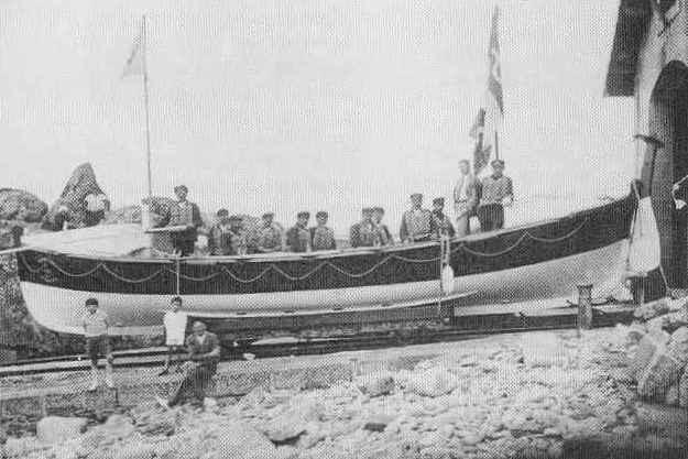 Le canot de sauvetage d'Argenton « Henri Munier » qui succéda à la « Marie-Russe » en 1913