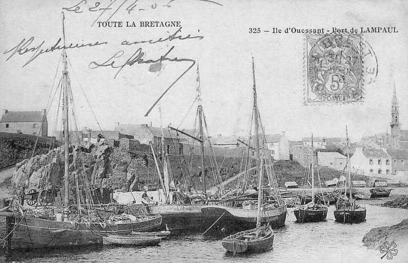 L'île d'Ouessant vers 1905, port de Lampaul, gabares et sloups de pêche