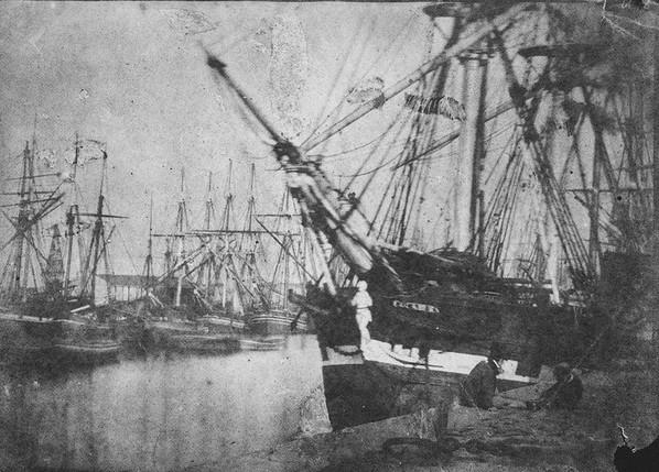 Port anglais vers 1845, illustrant  les navires de commerce sur lesquels embarquaient les iliens