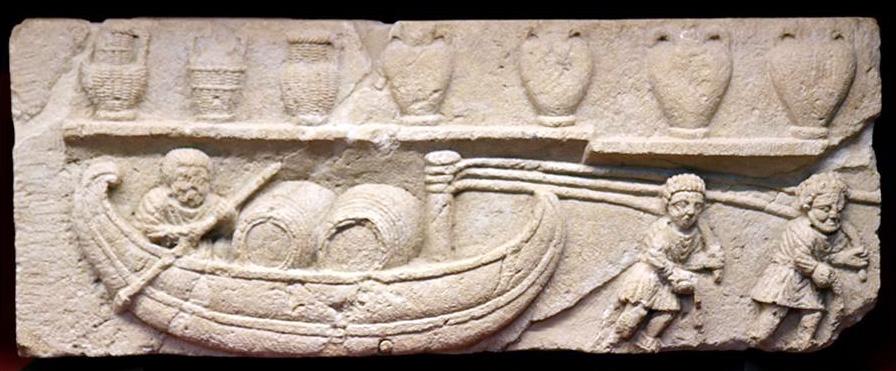 Le halage à la cordelle est très ancien comme le montre ce bas-relief d'époque romaine conservé au musée d'Avignon.