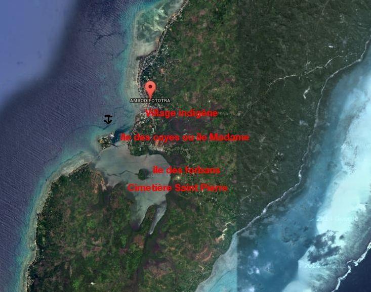 Image satellite des lieux  dans leurs état actuel, l'île Sainte-Marie est restée assez sauvage, l'ancre indique l'endroit du mouillage de la Normande