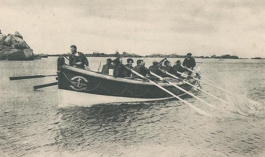 Le canot de sauvetage de Pontusval  (Brignogan)  la Léonie jusqu'en 1911 puis le Georges Bréant