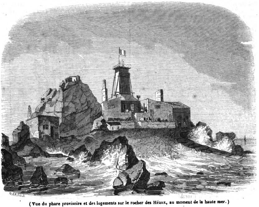 Les constructions provisoires, réfectoire dortoir, la tour phare en bois et la forge, il en reste encore des ruines