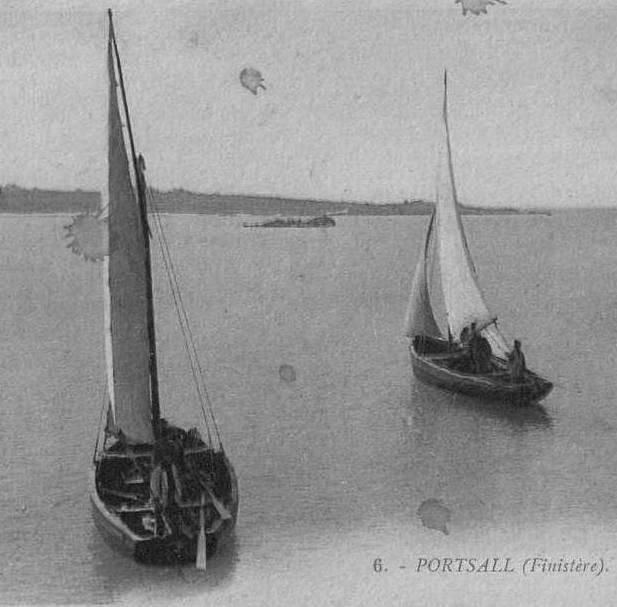 Canots goémoniers de Portsall, l'Administration des Phares et Balises n'ayant pas suffisamment de navire contractualisait avec des pêcheurs, le service des phares avec des canots semblables