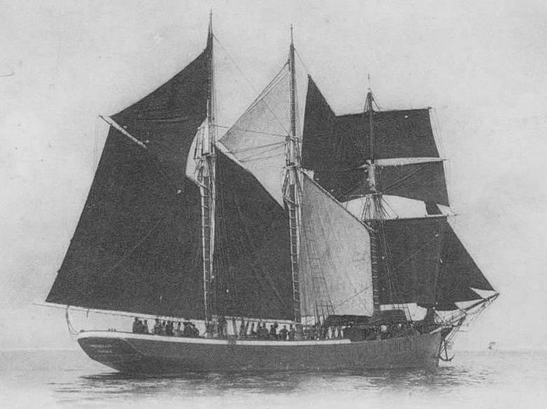 Trois-mâts goélette terre-neuvier de Cancale au départ sous toute sa voilure ses voiles ont été tannées ce qui n'est pas courant pour ce type de voilier
