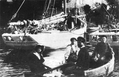 Le sloup Anne-Marie dans le port de Loguivy
