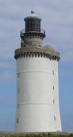 Phare du Stiff avec sa lanterne du XIXème siècle, le second plus vieux phare de France après Cordouan toujours en activité