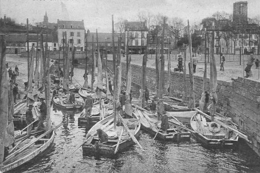 L'anse de Viarme à Lannion, l'arrivée des bateaux sabliers de Lannion