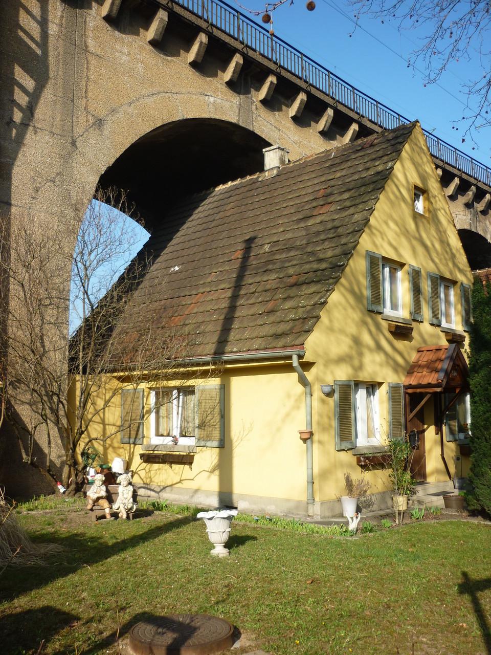 Unter Brücken leben im Stuttgarter Norden (Geschichte: Beobachtungen am Wegesrand)