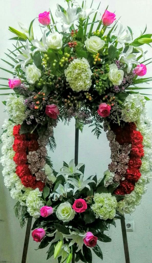 Corona de flores para el tanatorio de Zamora