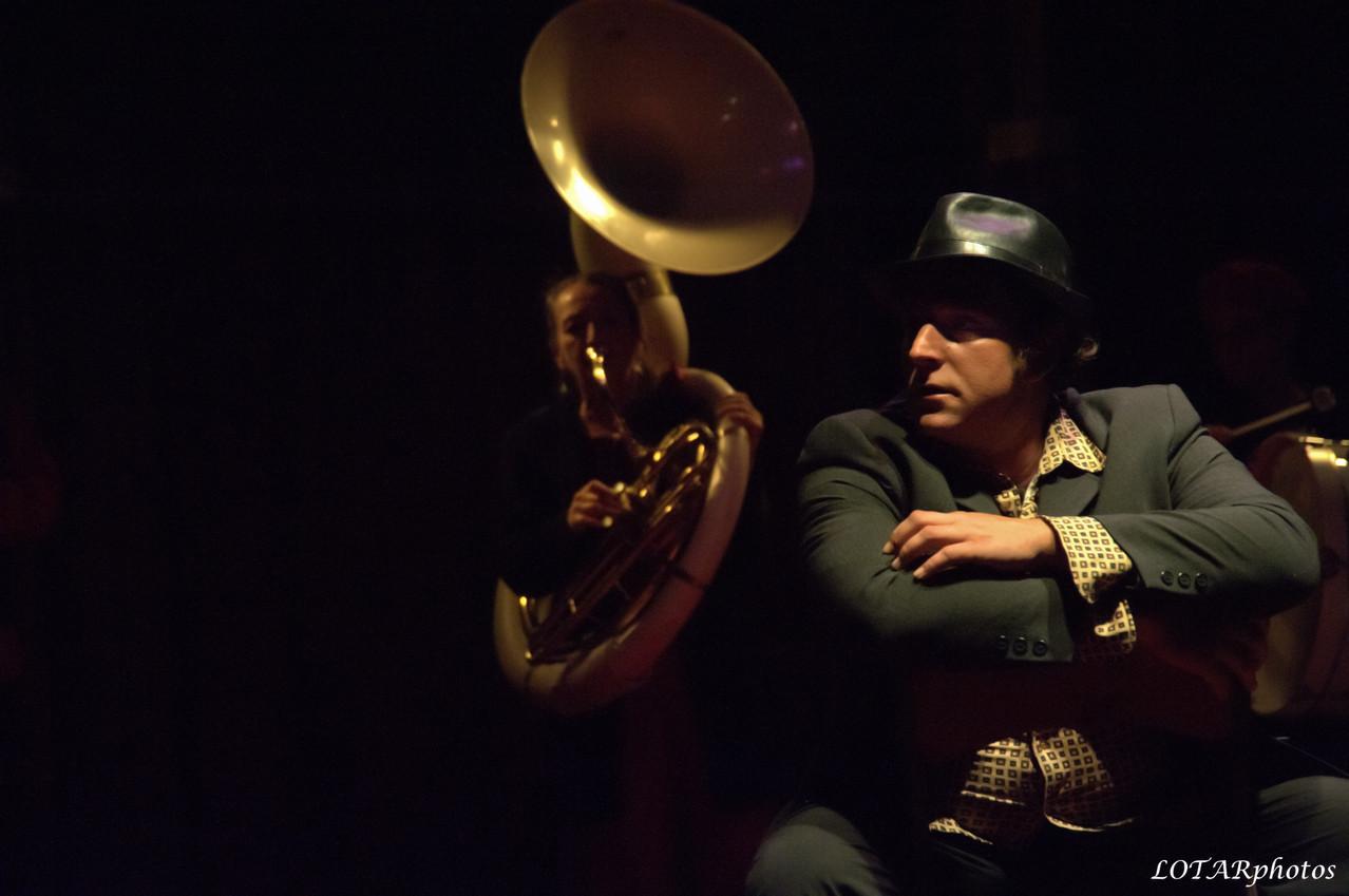 """Fanfare """"le Cri du Chapeau"""" / Noj Prosper - saxo, chant"""