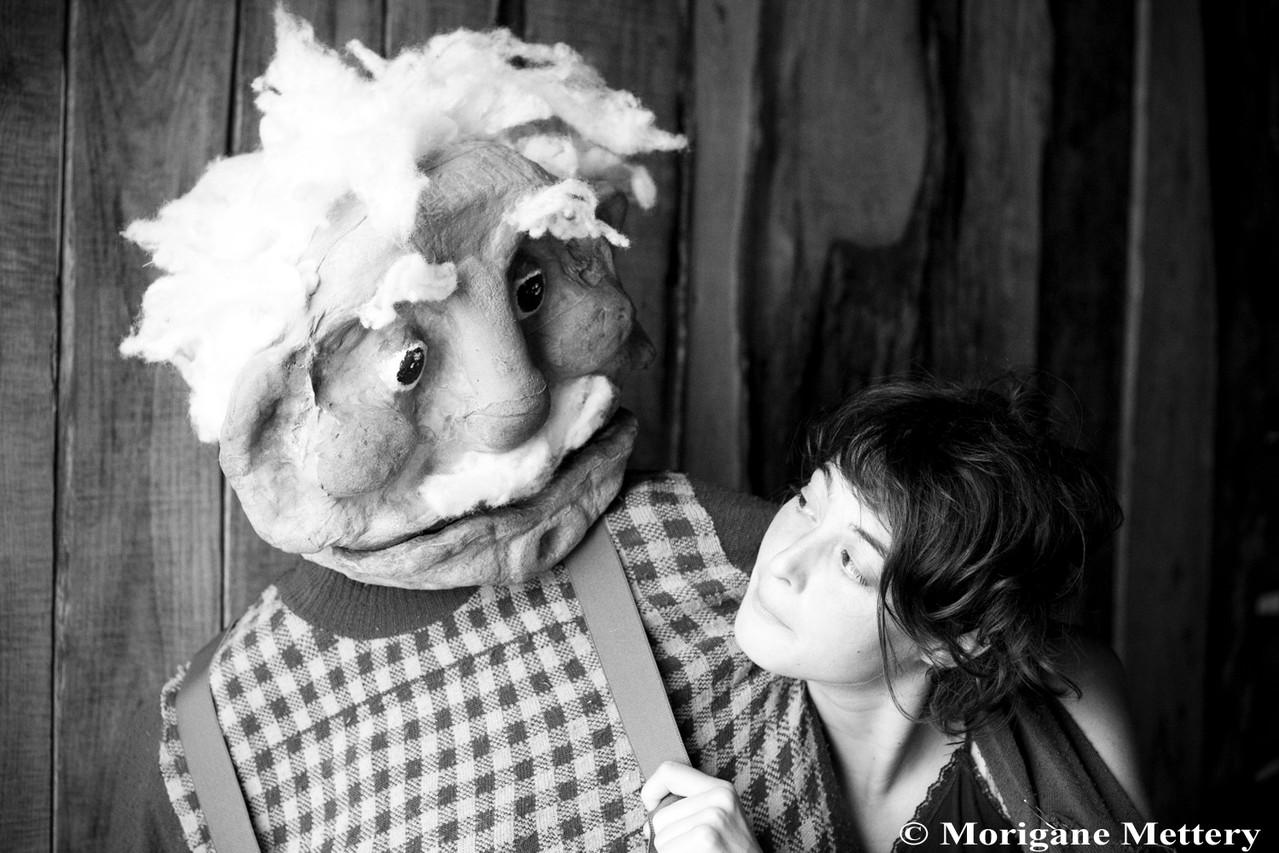 Jennifer Emerit et Saturnin, sa marionnette