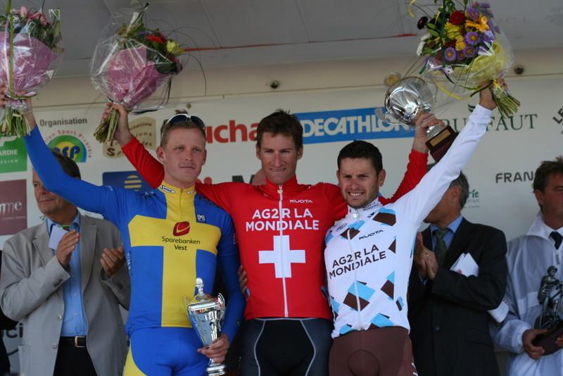 Le podium de gche à drte: Mickael STEVENSON, Martin ELMIGER, Anthony RAVARD (Photo Pascal LINGET Photos-cyclisme-pro)