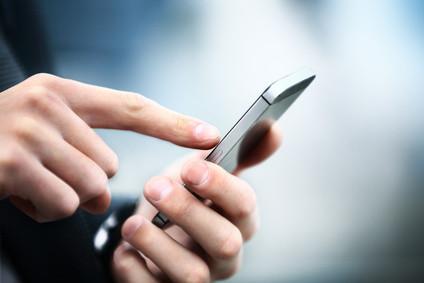 per SMS können Nachrichten an individuelle Personen oder an den gesamten Verteiler versandt werden.