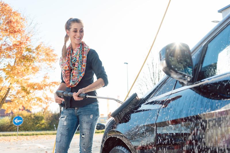 Lackschonendes und kalkfreies Waschen Ihres Fahrzeuges