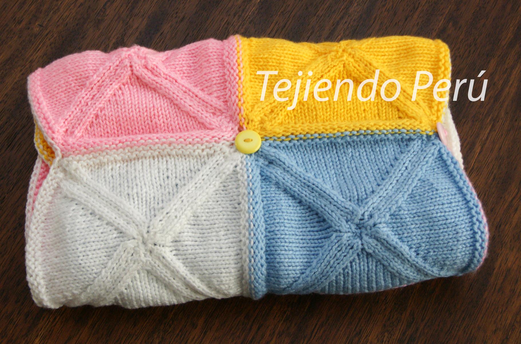 Manta hecha con triángulos tejidos para bebes - Tejiendo Perú