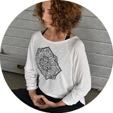 Kursleitung: Silke Taute, dipl. Yogalehrerin SYV/EYU, zertifizierter Klangyoga-Teacher, Studio-Leitung