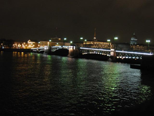 die Neva und Schlossbrücke