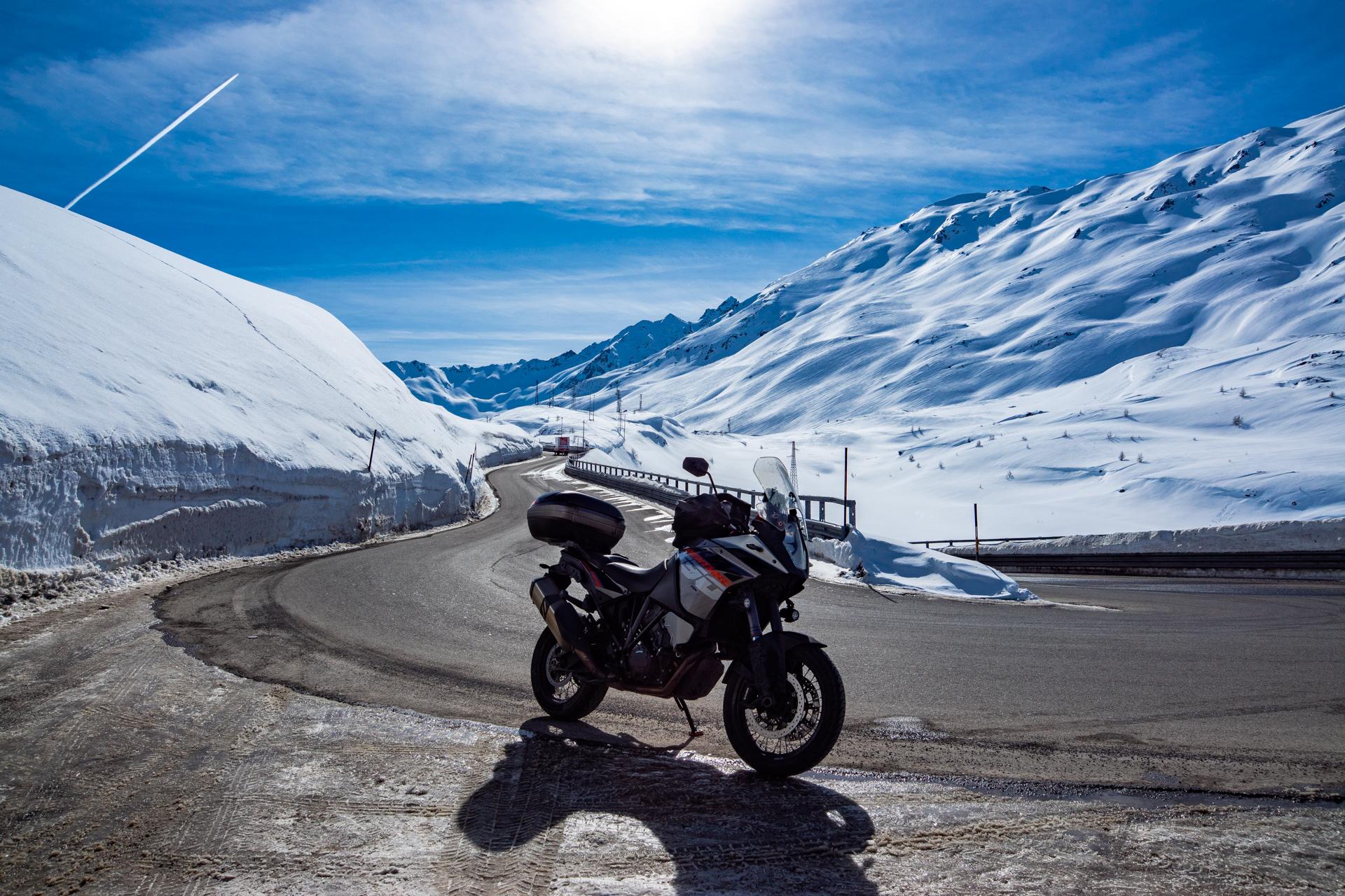 Mototurismo invernale a Livigno